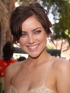 Jessica Stroup from '90210' steps out in NYC, May 21, 2009