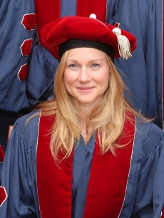 Laura Linney attends Julliard's 104th commencement ceremony at Alice Tully Hall on May 22, 2009 in New York City