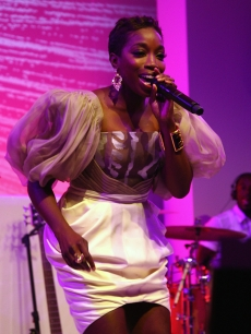 Estelle performs at MoMA's 41st Annual Party in the Garden at The Museum of Modern Art on May 26, 2009 in New York City