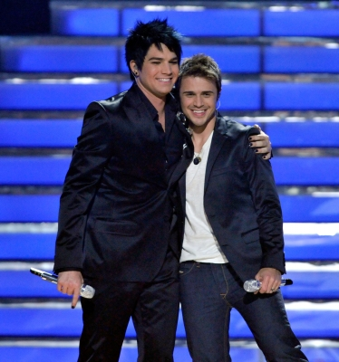 Adam Lambert congratulates &#8216;American Idol&#8217; Season 8 champ Kris Allen