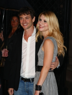 Claire Danes and Hugh Dancy walk the red carpet during Burberry Day at The New York Palace Hotel on May 28, 2009 in New York City