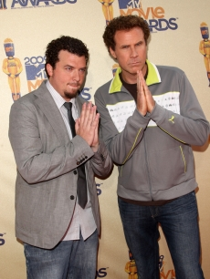 'Land of the Lost' co-stars Danny McBride and Will Ferrell pose on the 2009 MTV Movie Awards red carpet