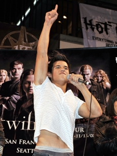 Taylor Lautner appears at the 'Twilight' cast's Q & A and Paramore's live performance on November 18, 2008 in Los Angeles, California