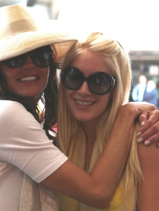Janice Dickinson and Heidi Montag pose for a quick pic before heading to the jungle