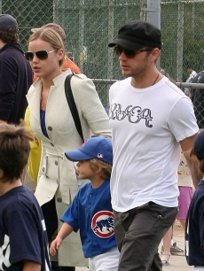 Ryan Phillippe with son Deacon and girlfriend Abbie Cornish are ready to play ball on June 6, 2009 in Los Angeles, California