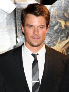 Josh Duhamel hits the red carpet at the 'Transformers: Revenge of the Fallen' World Premiere on June 8, 2009 in Tokyo