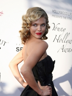 AnnaLynne McCord arrives at the Young Hollywood Awards on June 7, 2009 in Santa Monica