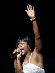 &#8216;American Idol&#8217; alum Fantasia Barrino performs at the Apollo Theater 75th Anniversary Gala on June 8, 2009 in New York City