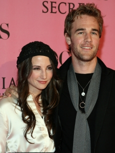 James Van Der Beek and Heather McComb arrive at the 2007 Victoria&#8217;s Secret fashion show held at the Kodak Theatre on November 15, 2007