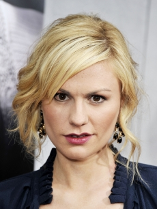 Anna Paquin arrives at the premiere of the 2nd season of HBO's 'True Blood' on June 9, 2009 in Los Angeles