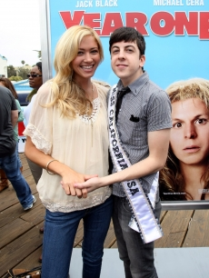 Miss California Tami Farrell and Christopher Mintz-Plasse get cozy at the &#8216;Year One&#8217; Beach Battle, on June 13, 2009 at the Santa Monica Pier 