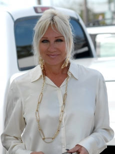 Linda Hogan, wife of Hulk Hogan, leaves the courthouse after a hearing in their divorce case February 10, 2009