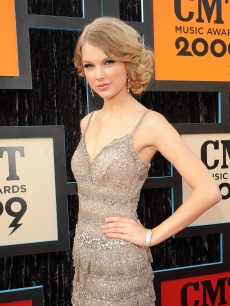 Taylor Swift attends the 2009 CMT Music Awards at the Sommet Center on June 16, 2009 in Nashville, Tennessee