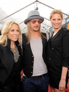 Sheryl Crow, Kid Rock and model Karolina Kurkova attends the 2009 CMT Music Awards at the Sommet Center on June 16, 2009 in Nashville, Tennessee