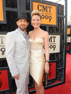 Kristian Bush and Jennifer Nettles of Sugarland attends the 2009 CMT Music Awards at the Sommet Center on June 16, 2009 in Nashville