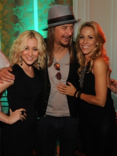 Kellie Pickler, Kid Rock and Sheryl Crow have a laugh at the 2009 CMT Music Awards after party hosted by People magazine at the Hutton Hotel