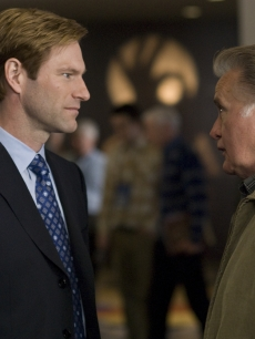 Aaron Eckhart and Martin Sheen get face-to-face in &#8216;Love Happens&#8217;