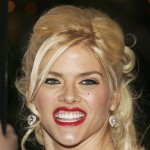 Anna Nicole Smith hits the red carpet for the &#8216;Be Cool&#8217; premiere, Los Angeles, February 14, 2005