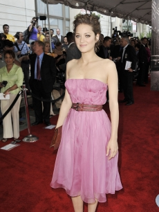 Marion Cotillard is pretty in pink at the premiere of Universal Pictures' 'Public Enemies' on June 18, 2009 in Chicago