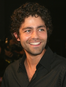 Adrian Grenier is all smiles at the Los Angeles Laker&#8217;s official championship victory party at Club Nokia on June 18, 2009 