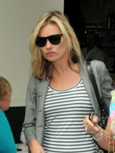Kate Moss hits the streets of London on June 19, 2009