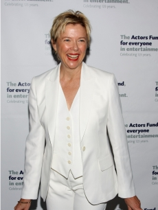 Annette Bening is a vision in white at the launch of The Actors&#8217; Fund &#8216;Responding To Essential And Evolving Needs&#8217; campaign on June 22, 2009 in New York City