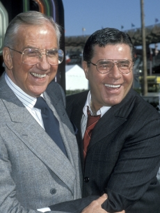 Ed McMahon and Jerry Lewis embrace at 'The American Tail' for Jerry's Kids Salute to 25th Anniversary of Universal Studios in May 1990