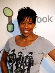 Regina King poses at the Reebok EasyTone Footwear Celebration in Beverly Hills on June 23, 2009