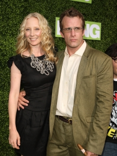 Anne Heche and Thomas Jane arrive at the HBO premiere of 'Hung' held at Paramount Studios on June 24, 2009 in Los Angeles