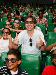 Ray Romano gives a big thumbs up during a special screening of 'Ice Age: Dawn of the Dinosaurs' in New York City on June 25, 2009