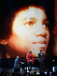 Ne-Yo and host Jamie Foxx pay tribute to Michael Jackson to close the 2009 BET Awards held at the Shrine Auditorium in Los Angeles on June 28, 2009