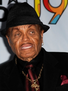 Joe Jackson poses in the press room during the 2009 BET Awards, Los Angeles, June 28, 2009