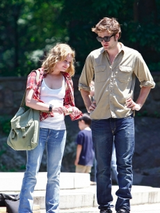 Emilie de Ravin and Robert Pattinson film 'Remember Me' on the streets of NYC, June 30, 2009