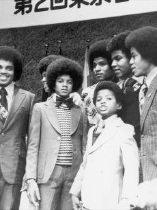 Michael Jackson and the Jackson 5 (Michael, Jermaine, Tito, Jackie, Marlon) with father Joe and Randy on May 7, 1973