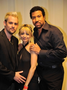 Joel Madden and Nicole Richie pose with Lionel Richie backstage during Michael Jackson's public memorial service held at Staples Center on July 7, 2009 in Los Angeles