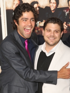 Adrian Grenier and Jerry Ferrara arrive at the premiere of HBO&#8217;s &#8216;Entourage&#8217; Season 6, on July 9, 2009 in Los Angeles