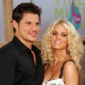 Singers Nick Lachey and Jessica Simpson arrives at the 2005 MTV Video Music Awards at the American Airlines Arena on August 28, 2005 in Miami, Florida.