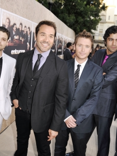 Jerry Ferrara, Jeremy Piven, Adrian Grenier, Kevin Connolly and Kevin Dillon strike a pose at the premiere of HBO&#8217;s &#8216;Entourage&#8217; - Season 6 in Los Angeles on July 9, 2009