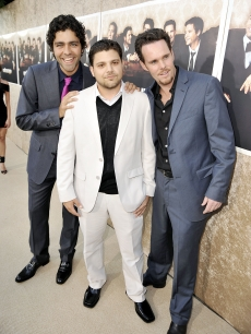 Adrian Grenier, Jerry Ferrara, and Kevin Dillon show some brotherly love at the premiere of HBO&#8217;s &#8216;Entourage&#8217; Season 6 in Los Angeles on July 9, 2009