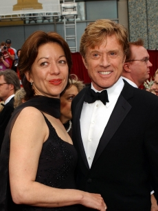 Robert Redford (and Sibylle Szaggars arrive for the 74th Annual Academy Awards at Kodak Theatre in Hollywood, CA, 24 March 2002