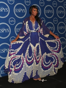 Venus Williams shows off her dress in the press room during the 2009 ESPY Awards in LA on July 15, 2009 
