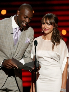 Terrell Owens and Rashida Jones hit the stage at the 2009 ESPY Awards in LA on July 15, 2009 