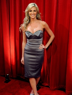 ESPN reporter Erin Andrews smiles on the red carpet at the 2009 ESPY Awards in LA on July 15, 2009