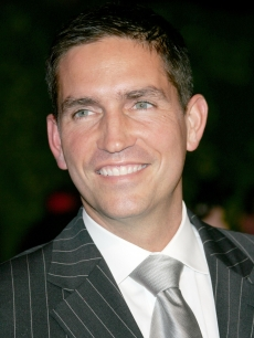 Jim Caviezel arrives at the 2007 Vanity Fair Oscar Party at Mortons on February 25, 2007 in West Hollywood, California