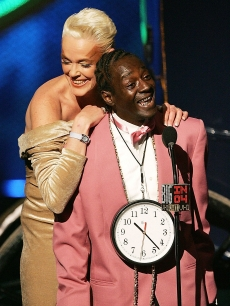 Brigitte Nielsen and Flavor Flav present onstage at the VH1 - Big in '04 in LA on December 1, 2004