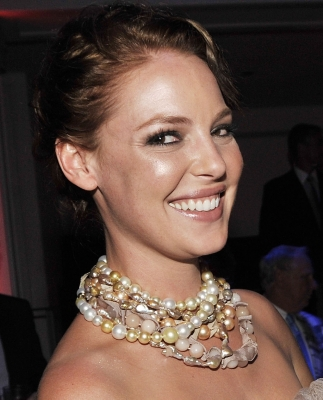 Katherine Heigl is all smiles at the LA premiere of 'The Ugly Truth' at the ArcLight Hollywood on July 16, 2009
