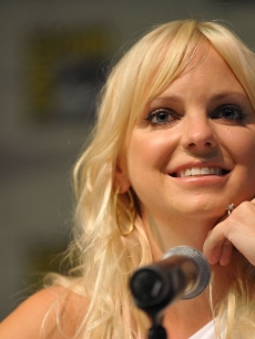 Anna Faris smiles on stage at the Comic-Con 2009 &#8216;Cloudy With A Chance Of Meatballs&#8217; panel in San Diego on July 23, 2009 