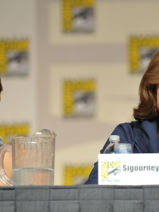 Eliza Dushku and Sigourney Weaver take the stage during 'Wonder Women: Female Power Icons in Pop Culture' during Comic-Con 2009 in San Diego on July 23, 2009