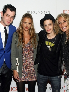 Mark Ronson, Charlotte Ronson, Samantha Ronson and Ann Dexter-Jones attend the &#8216;I Heart Ronson&#8217; event Bar Marmont in Hollywood on 3 April, 2009 