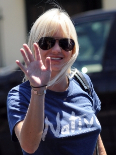 Anna Faris keeps it casual while out and about in West Hollywood on sighting on August 5, 2009 